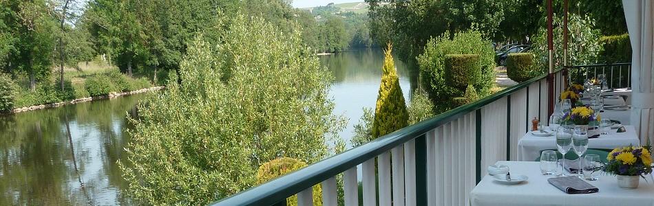 tilleuls vincelottes vignoble restaurant gastronomique yonne canal du nivernais terrasse